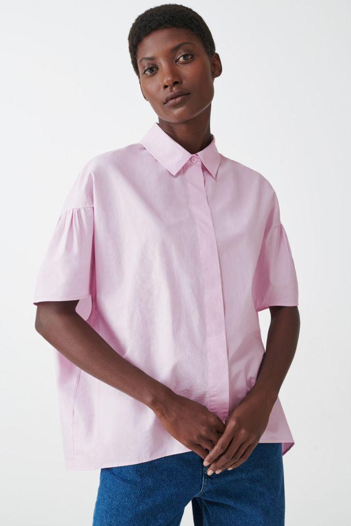 COS default image 3 of  in 개더드 슬리브 볼류미너스 셔츠