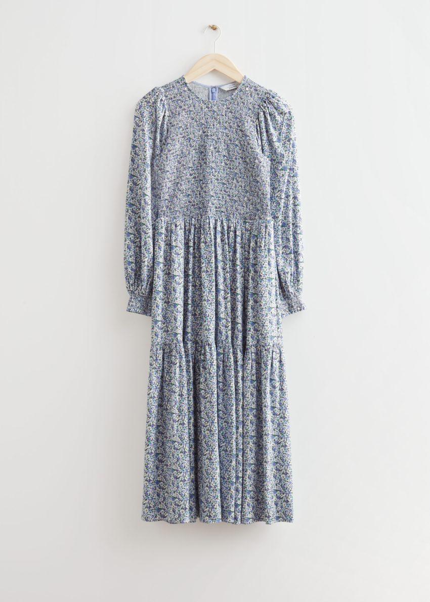 앤아더스토리즈 볼류미너스 티어드 미디 드레스의 블루 프린트컬러 Product입니다.