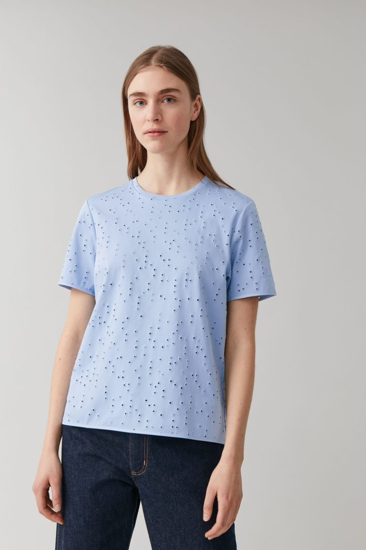 COS default image 2 of  in 브로드리 앙글레이즈 티셔츠
