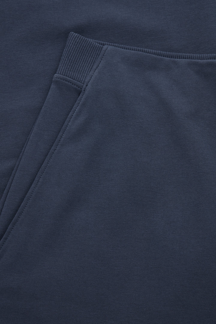 COS 탑스티치드 저지 큐롯의 블루컬러 Detail입니다.