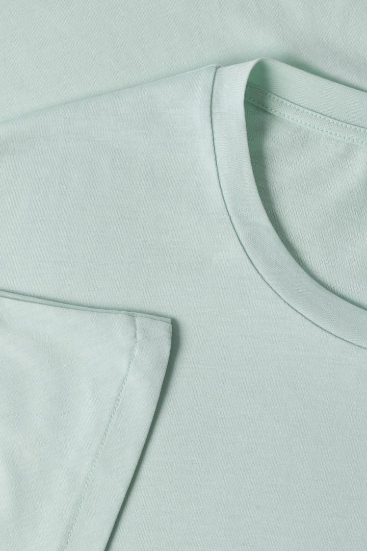 COS 오가닉 코튼 믹스 티셔츠의 터쿼이즈컬러 Detail입니다.