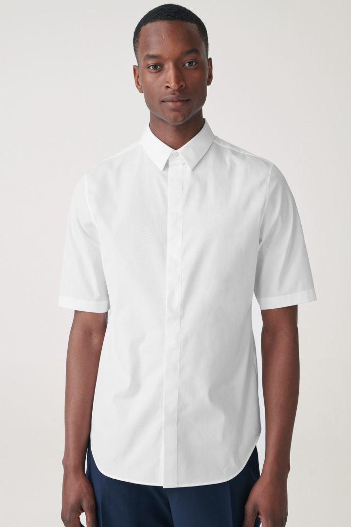 COS default image 3 of 화이트 in 슬림핏 코튼 셔츠