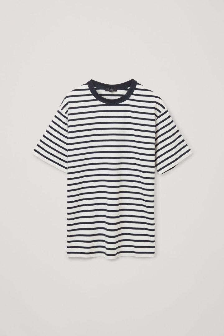 COS 오가닉 코튼 컨트래스트 스트라이프 티셔츠의 네이비 / 화이트컬러 Product입니다.