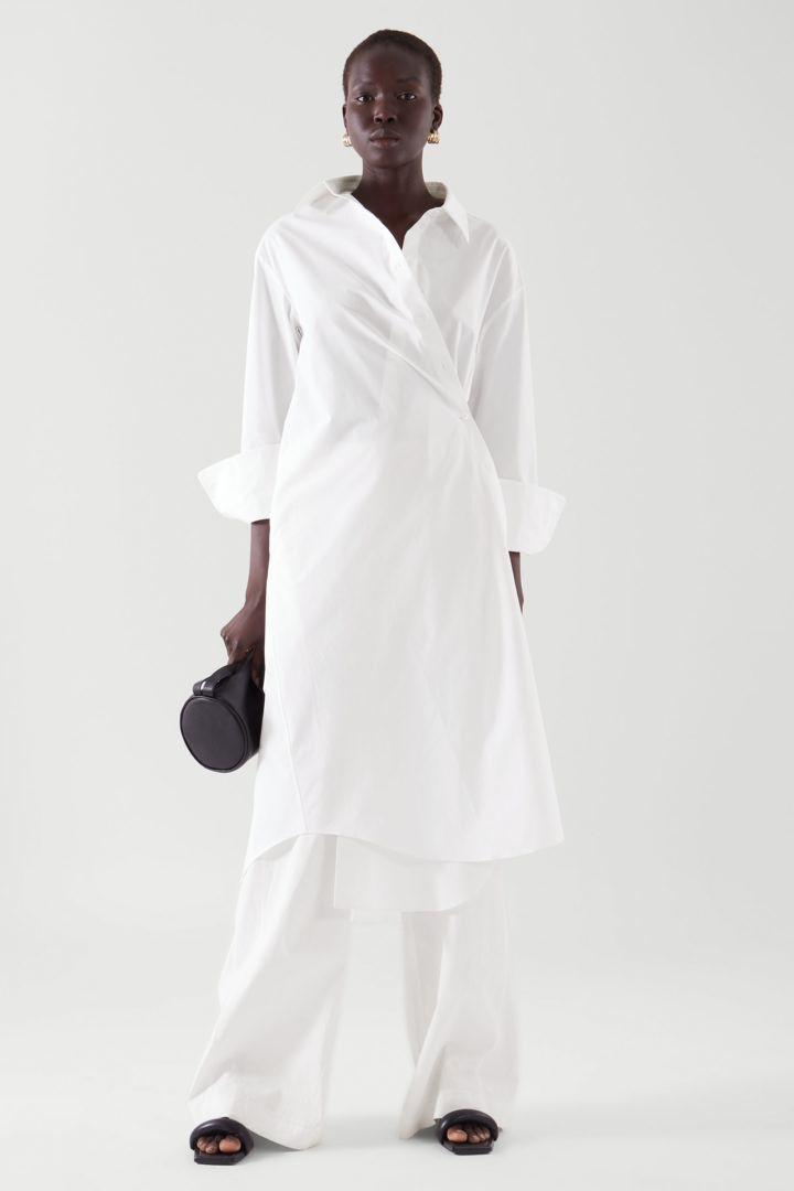 COS default image 2 of 화이트 in 랩 셔츠 드레스