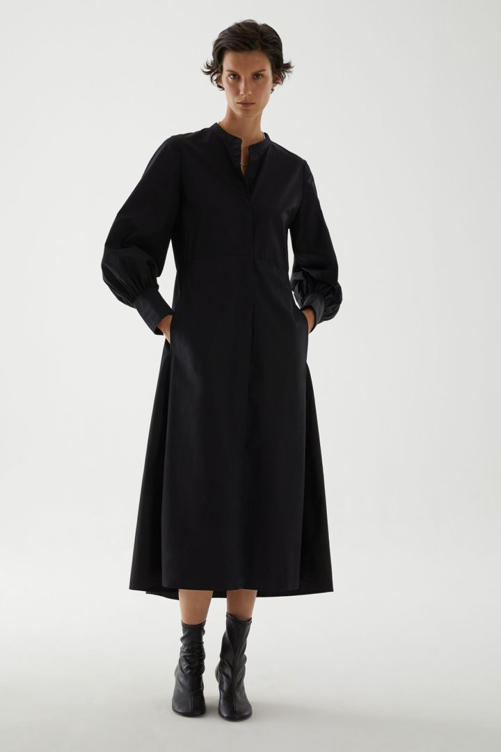 COS default image 6 of 블랙 in 오가닉 코튼 칼라리스 셔츠 드레스
