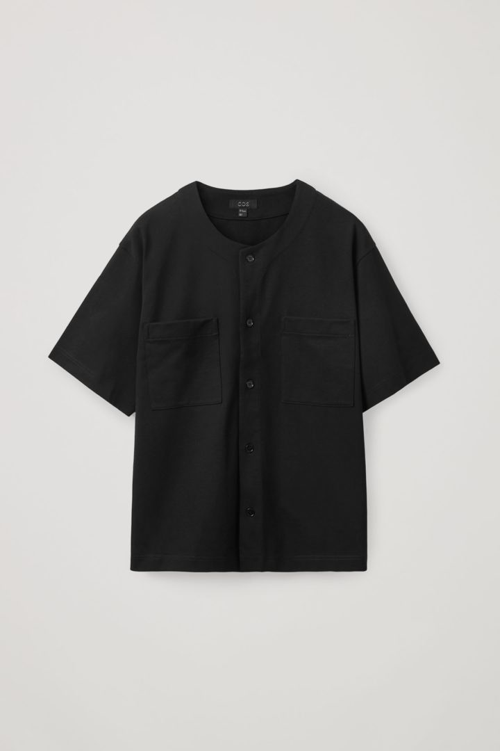 COS hover image 8 of 블랙 in 릴랙스드 핏 니티드 실크 셔츠