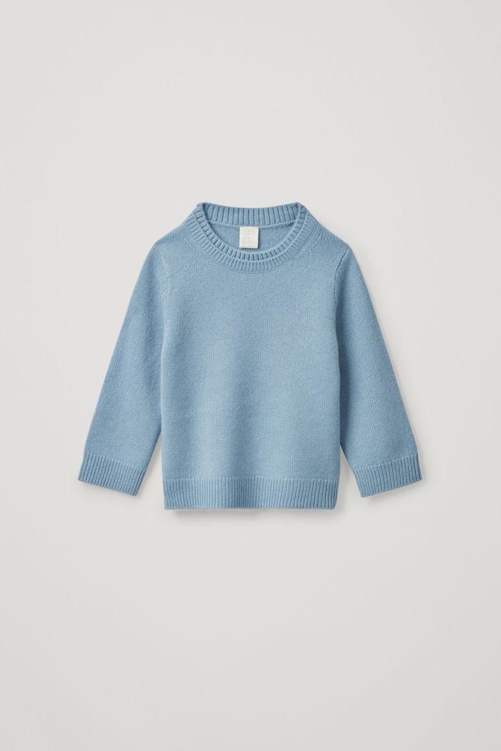 COS default image 2 of 블루 in 레이어드 넥 캐시미어 스웨터