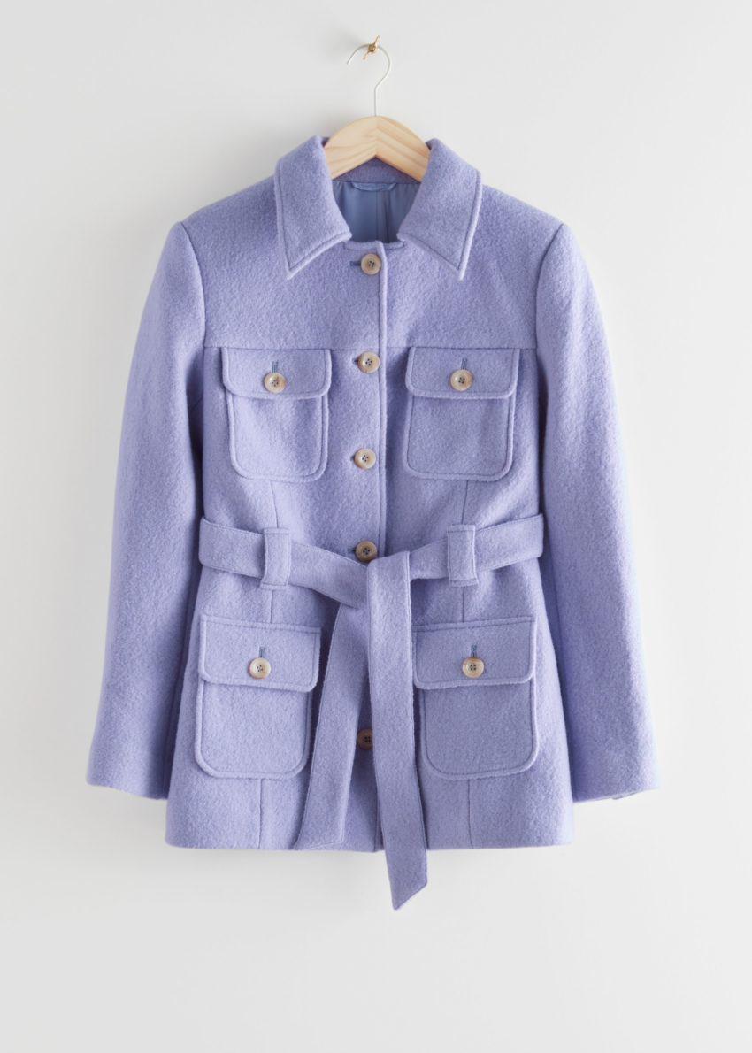 앤아더스토리즈 벨티드 버튼 업 울 재킷의 라일락컬러 Product입니다.