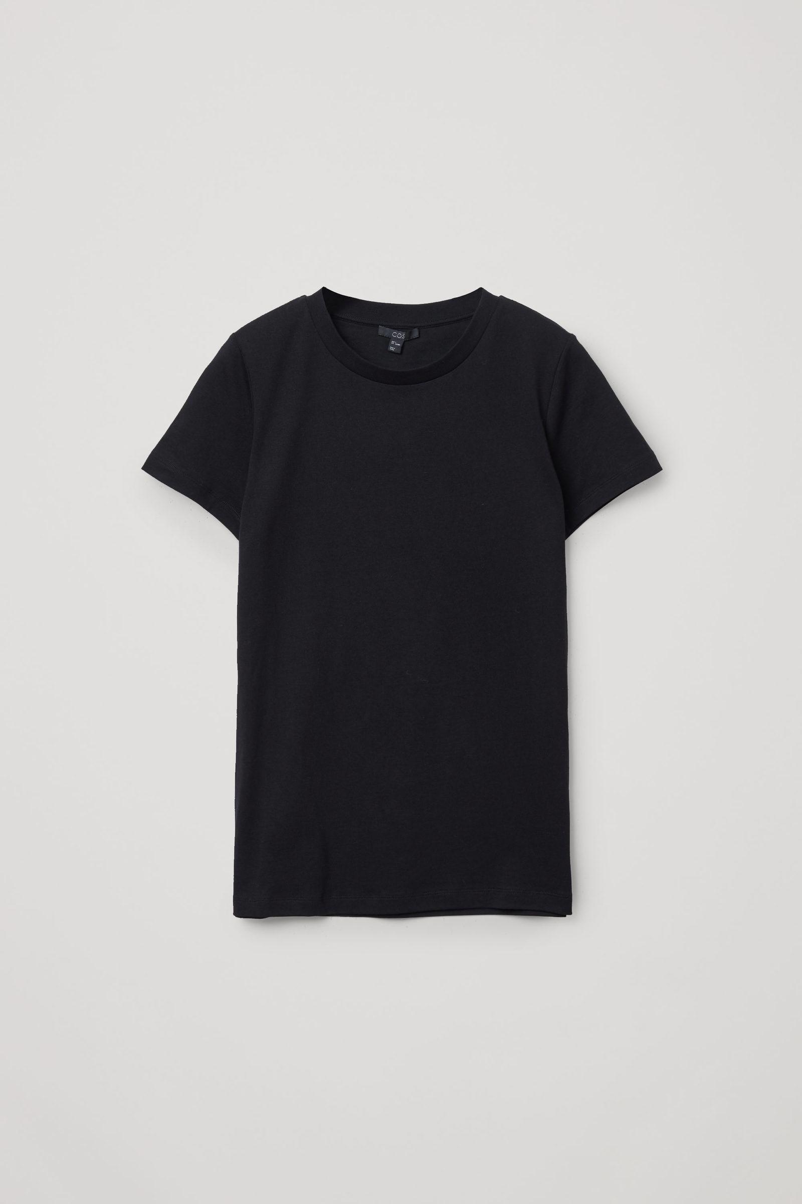 COS 슈렁큰 오가닉 코튼 티셔츠의 블랙컬러 Product입니다.
