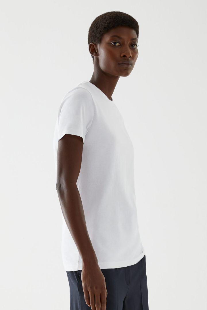 COS default image 3 of 화이트 in 슈렁큰 오가닉 코튼 티셔츠