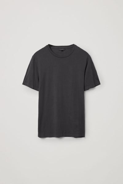 COS default image 11 of 블랙 in 라운드 넥 티셔츠