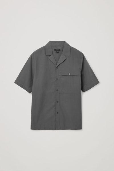 COS default image 2 of 그레이 in 패치 포켓 쇼트 슬리브 셔츠