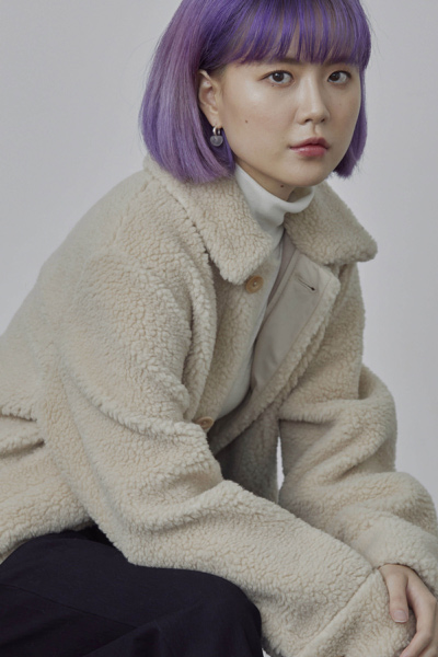 COS default image 1 of 베이지 in 테디 플리스 오버셔츠