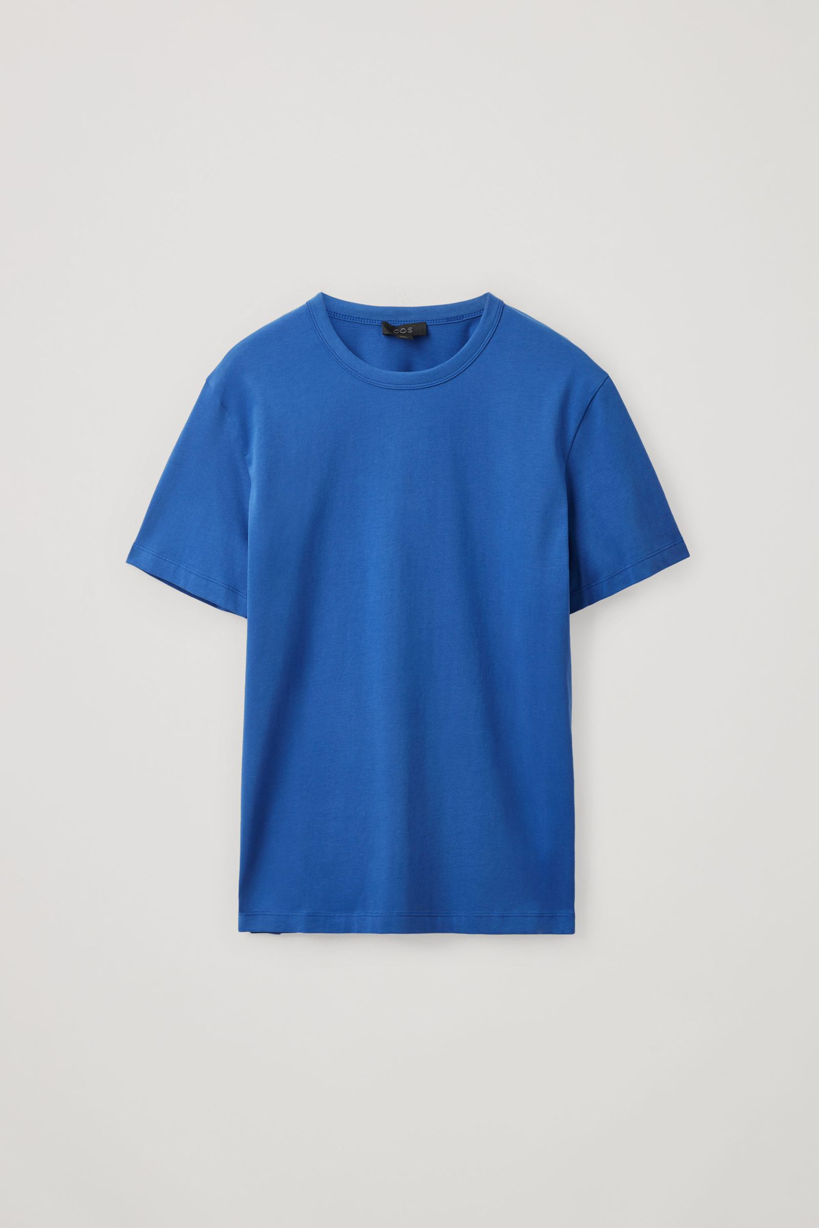 COS 브러쉬드 코튼 티셔츠의 블루컬러 Product입니다.