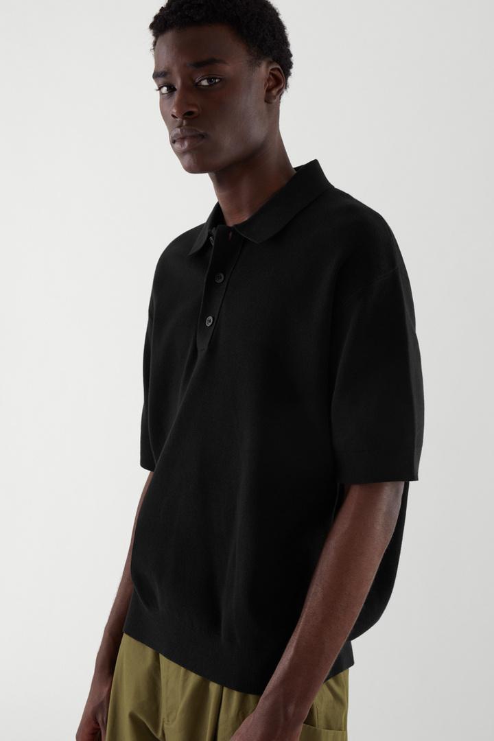 COS default image 4 of 블랙 in 쇼트 슬리브 폴로 셔츠