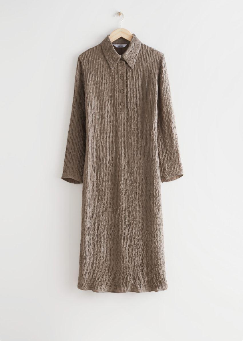 앤아더스토리즈 텍스처드 실크 미디 드레스의 몰컬러 Product입니다.