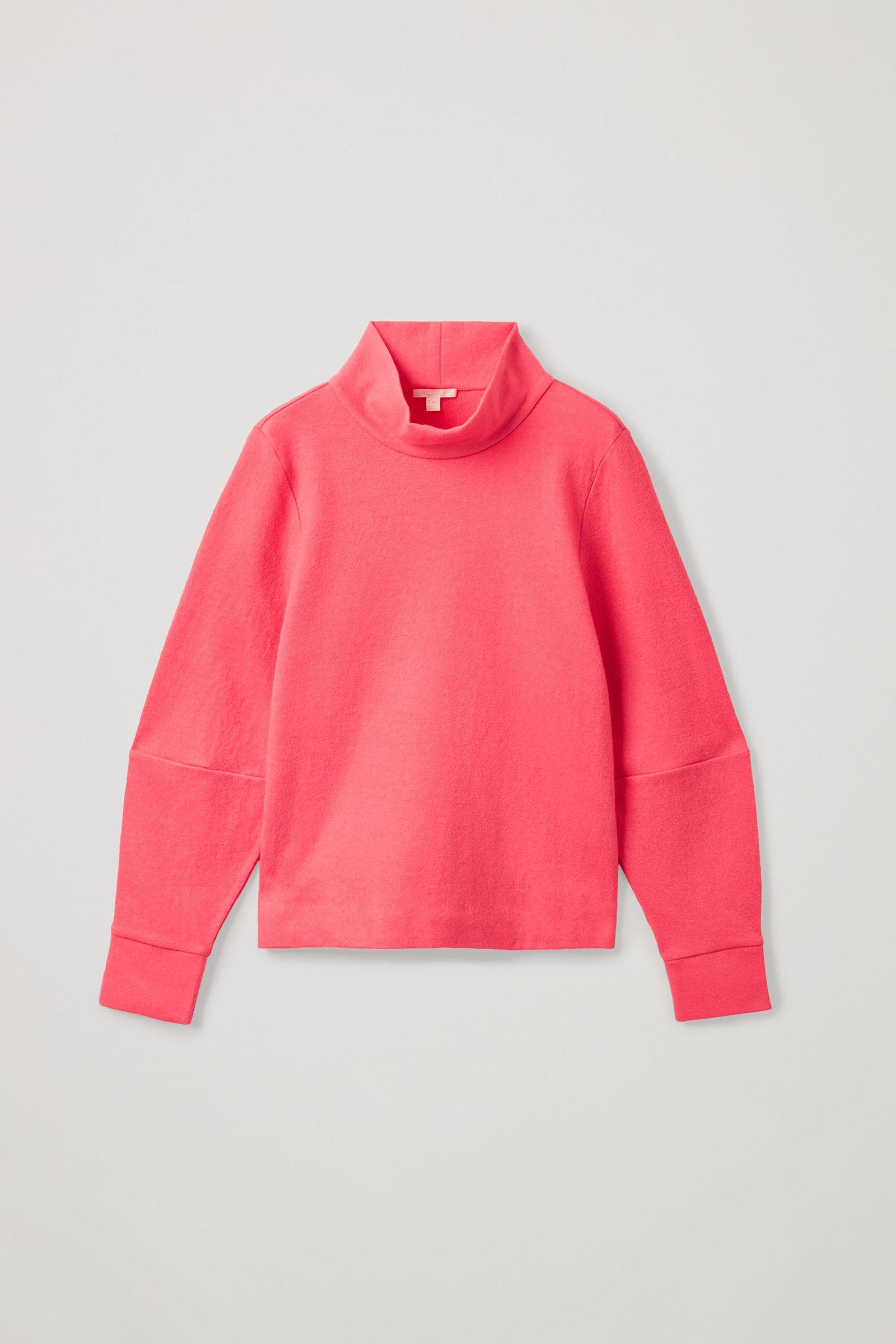 COS 메리노 울 오가닉 코튼 믹스 롤넥 스트럭처드 스웨터의 핑크컬러 Product입니다.