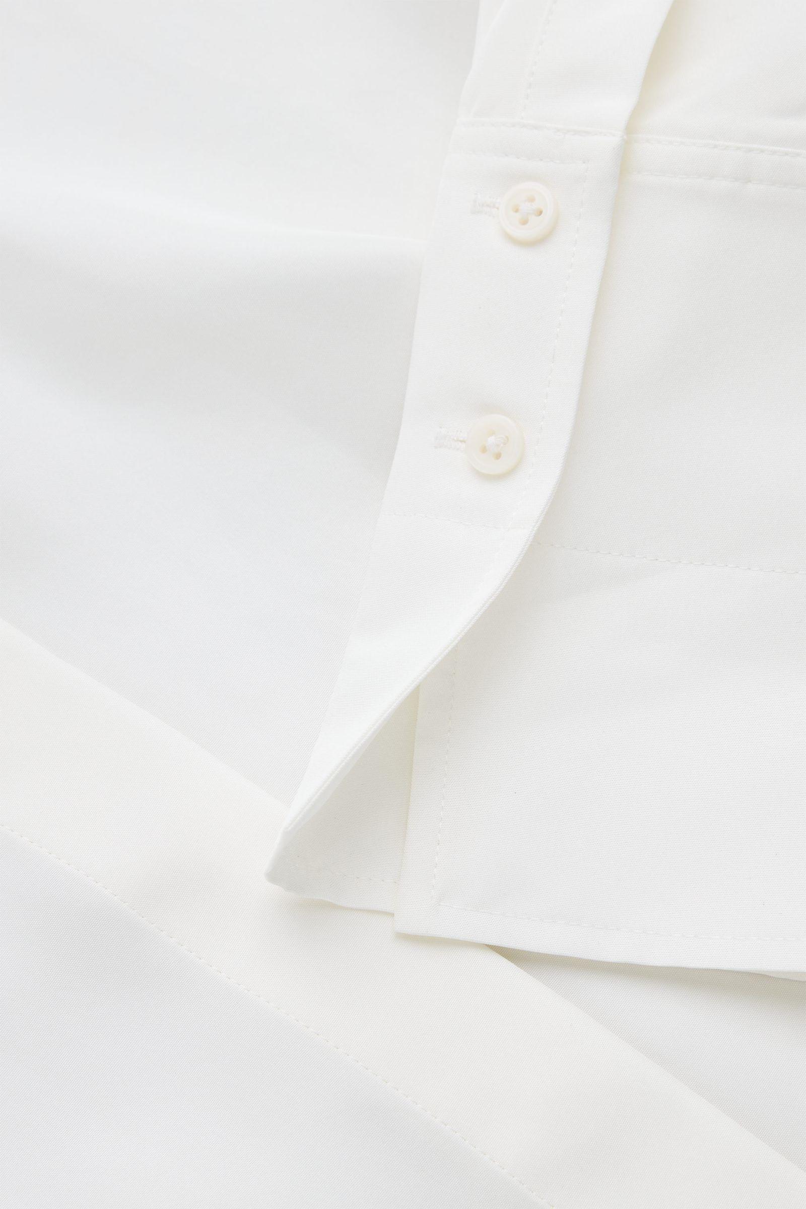 COS 멀버리 실크 오버사이즈 셔츠의 화이트컬러 Detail입니다.