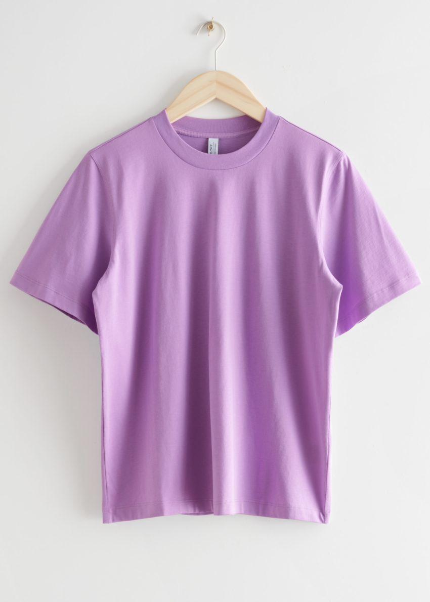 앤아더스토리즈 박시 크루넥 티셔츠의 퍼플컬러 Product입니다.