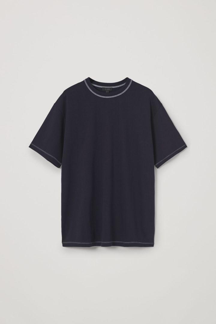 COS 롱 코튼 티셔츠의 네이비컬러 Product입니다.