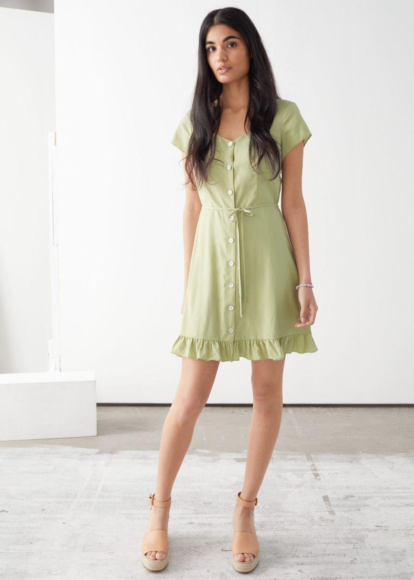 앤아더스토리즈 버튼 업 미니 드레스의 라이트 그린컬러 ECOMLook입니다.