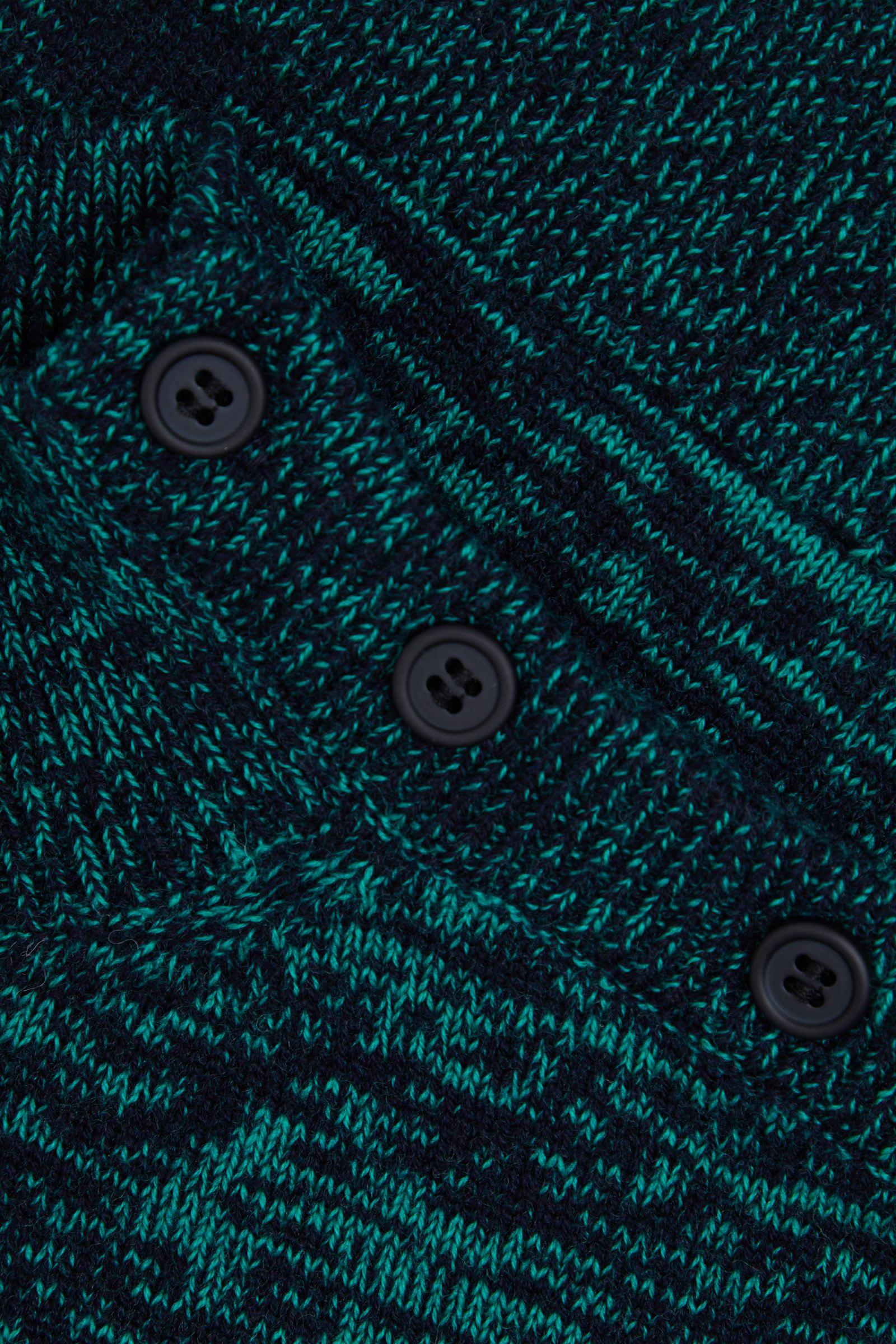 COS 롤넥 울 캐시미어 스웨터의 네이비 / 그린컬러 Detail입니다.