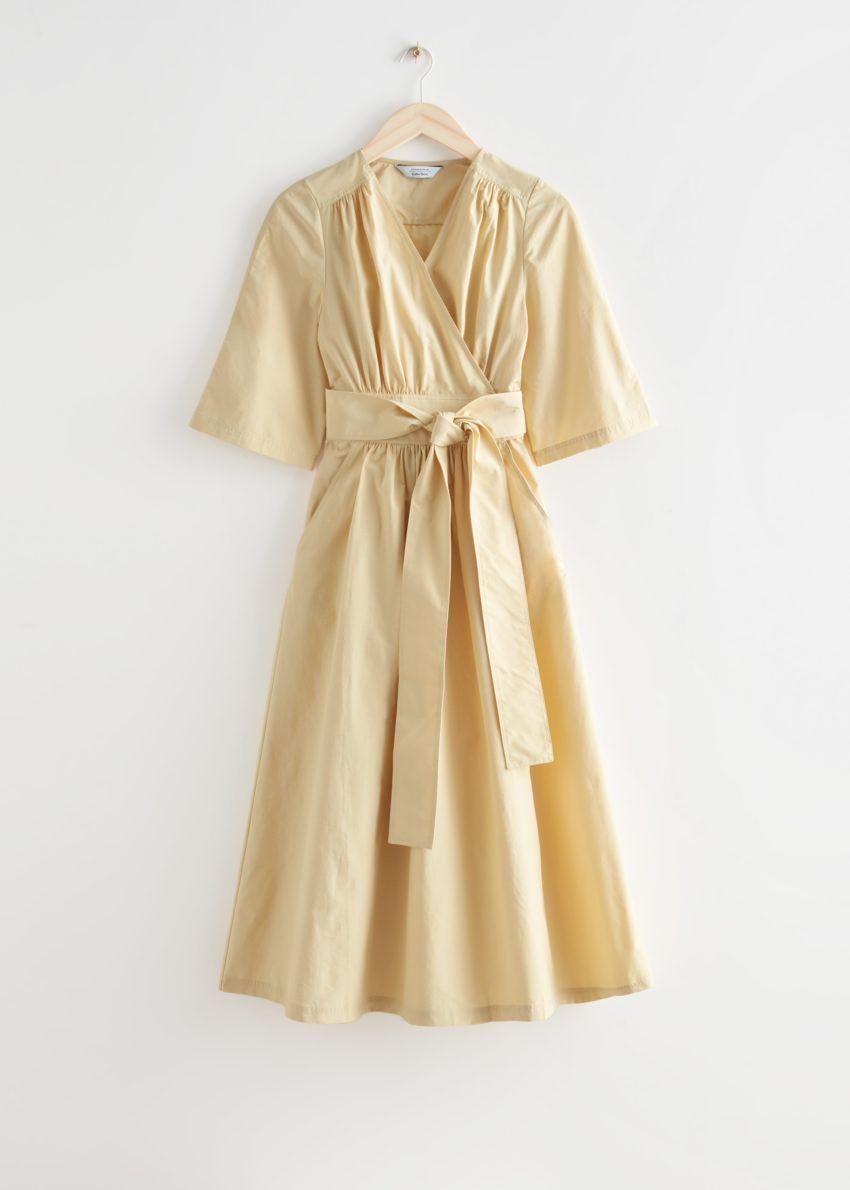 앤아더스토리즈 볼류미너스 미디 랩 드레스의 옐로우컬러 Product입니다.