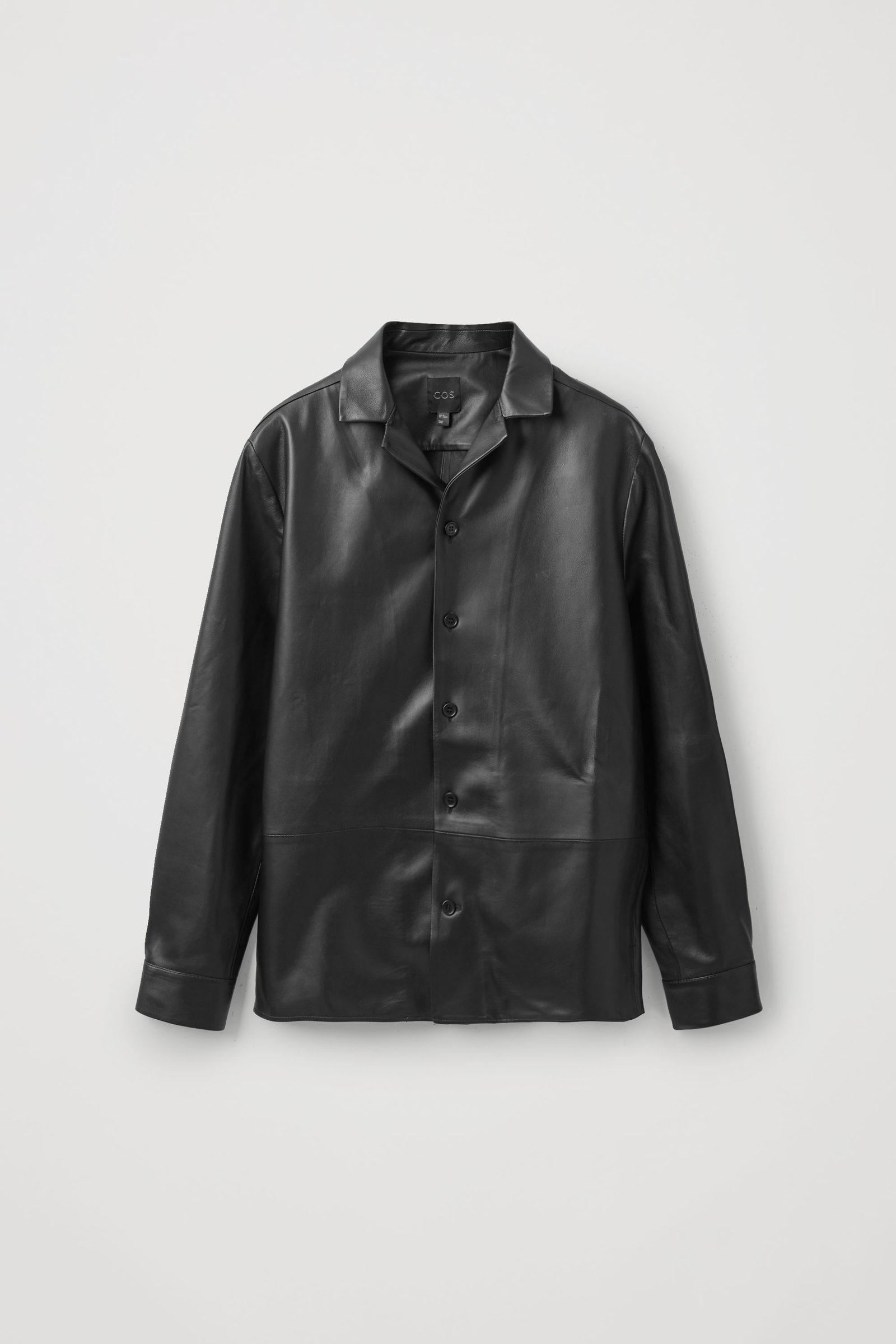 COS 캠프 칼라 레더 오버셔츠의 블랙컬러 Product입니다.
