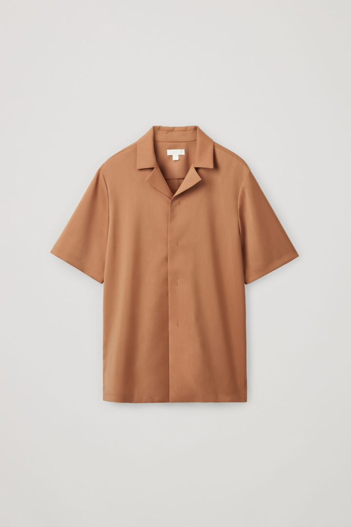 COS 캠프 칼라 울 셔츠의 브라운컬러 Product입니다.