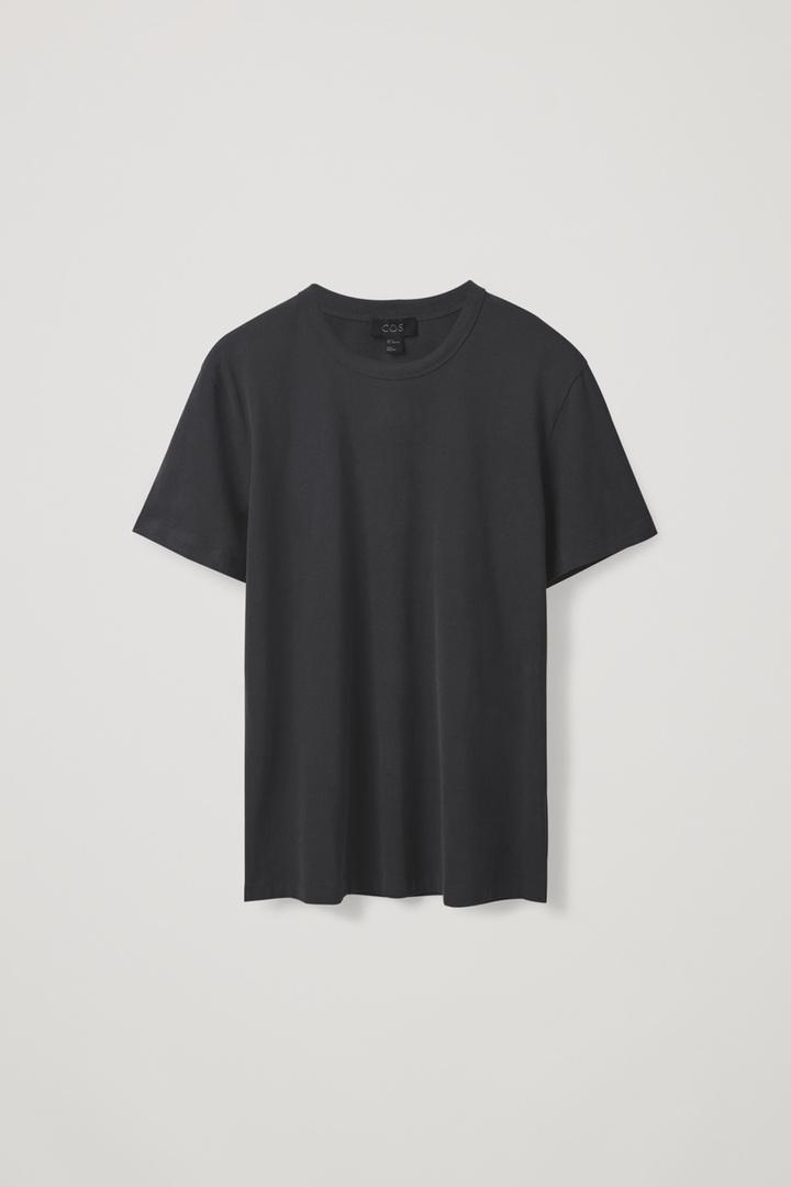 COS hover image 6 of 블랙 in 레귤러 핏 브러쉬드 코튼 티셔츠