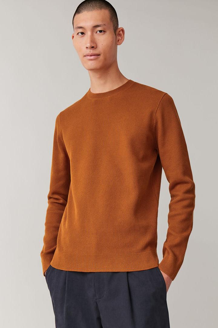 COS default image 3 of 오렌지 in 텍스처드 니트 스웨터
