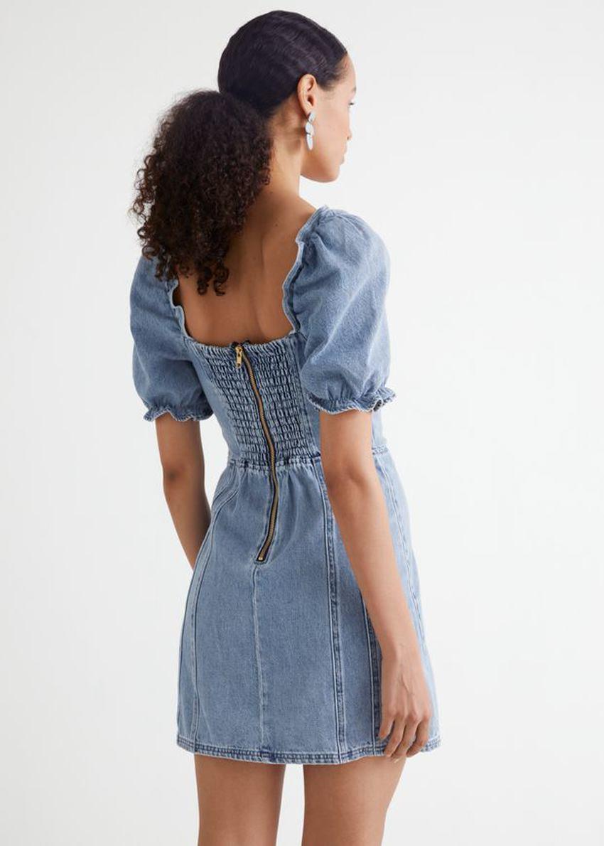 앤아더스토리즈 퍼프 슬리브 데님 미니 드레스의 애시드 블루컬러 ECOMLook입니다.