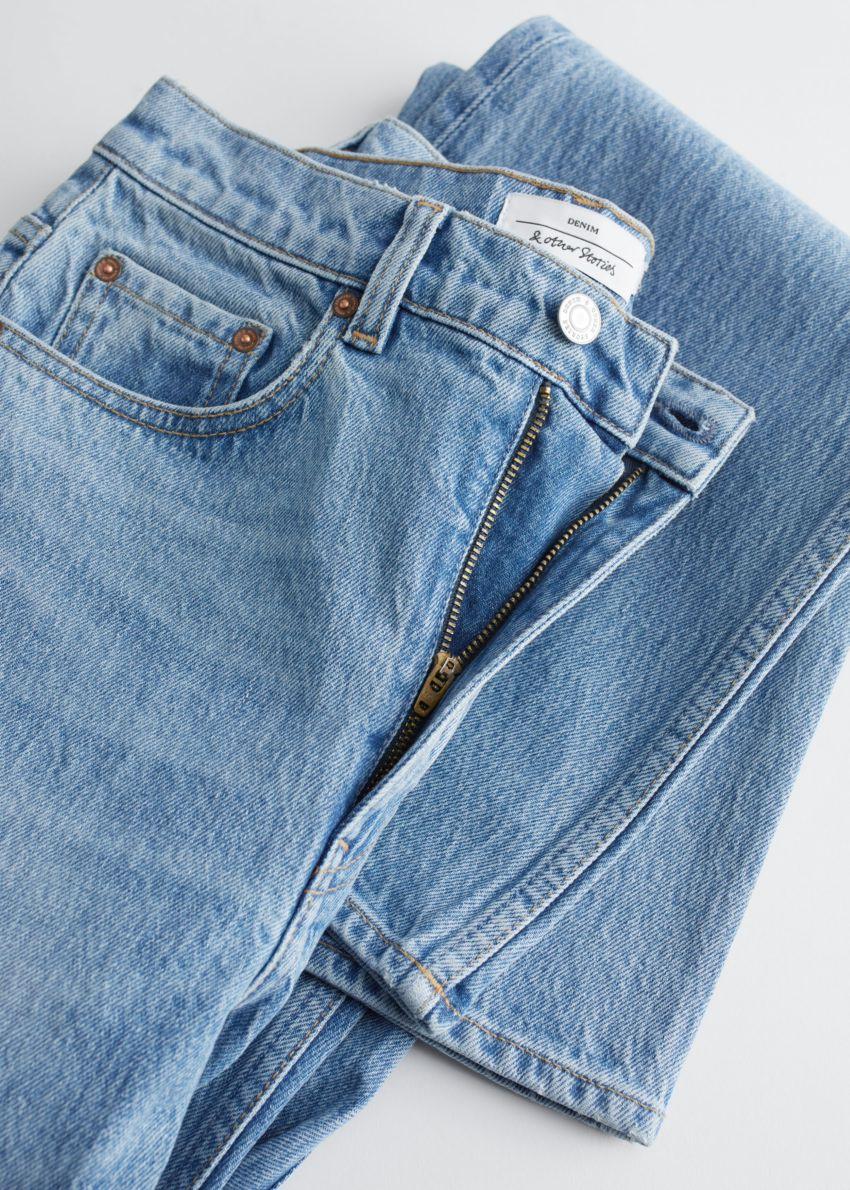 앤아더스토리즈 무드 컷 진의 피셔 블루 컬러 Detail입니다.