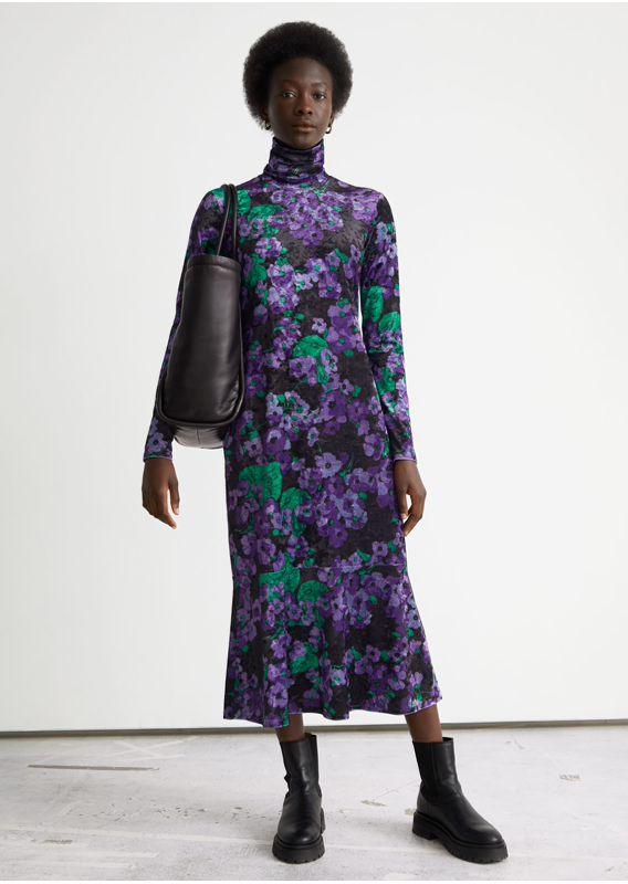 &OS image 25 of 블랙 in 프린트 터틀넥 미디 드레스