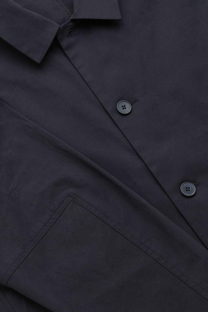 COS 오가닉 코튼 재킷의 네이비컬러 Detail입니다.