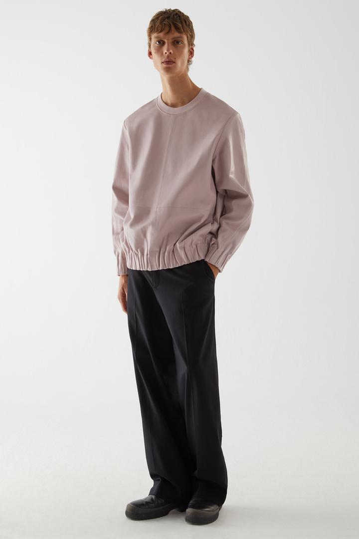 COS default image 6 of 핑크 in 레더 컨트래스트 패널 스웨터