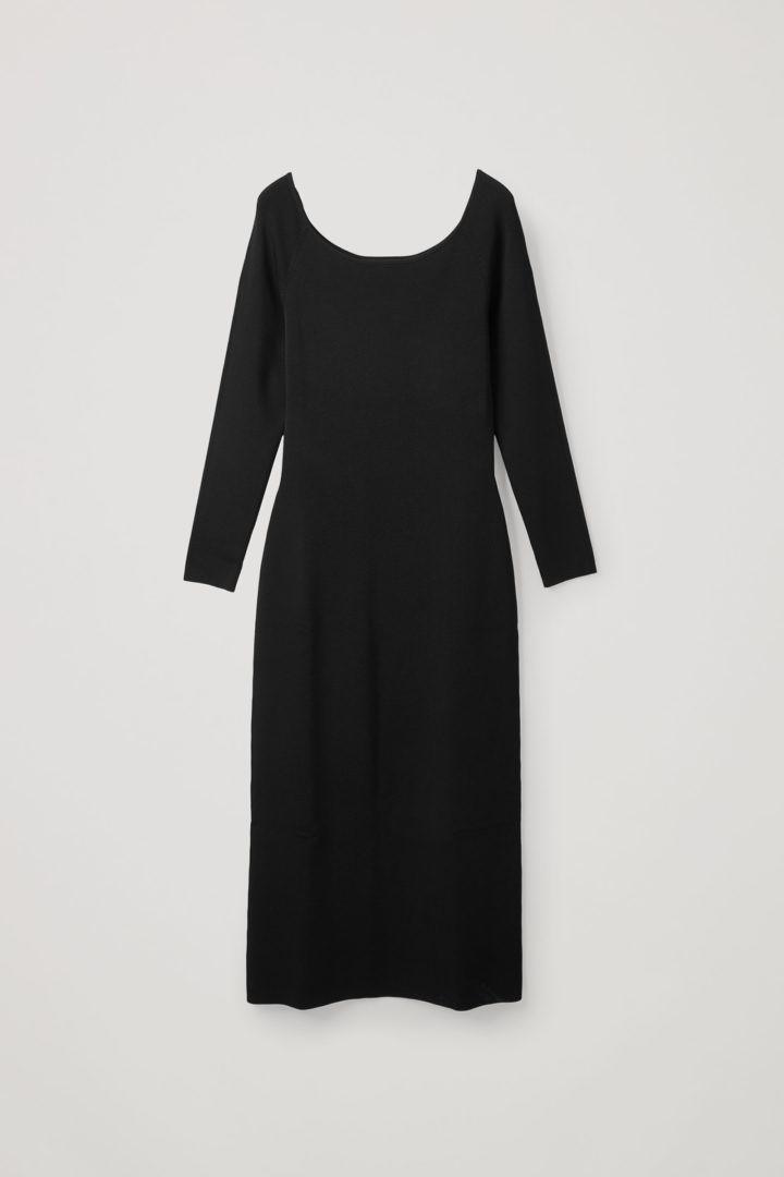 COS 니티드 오프숄더 튜브 드레스의 블랙컬러 Product입니다.