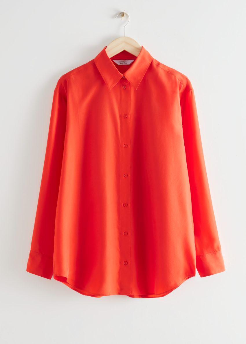 앤아더스토리즈 릴렉스드 버튼 업 멀베리 실크 셔츠의 오렌지컬러 Product입니다.