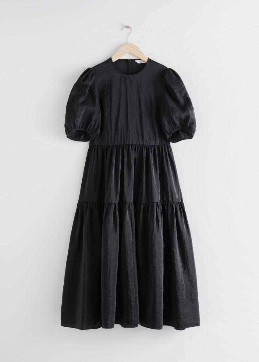 앤아더스토리즈 볼류미너스 퍼프 슬리브 미디 드레스의 블랙컬러 Product입니다.