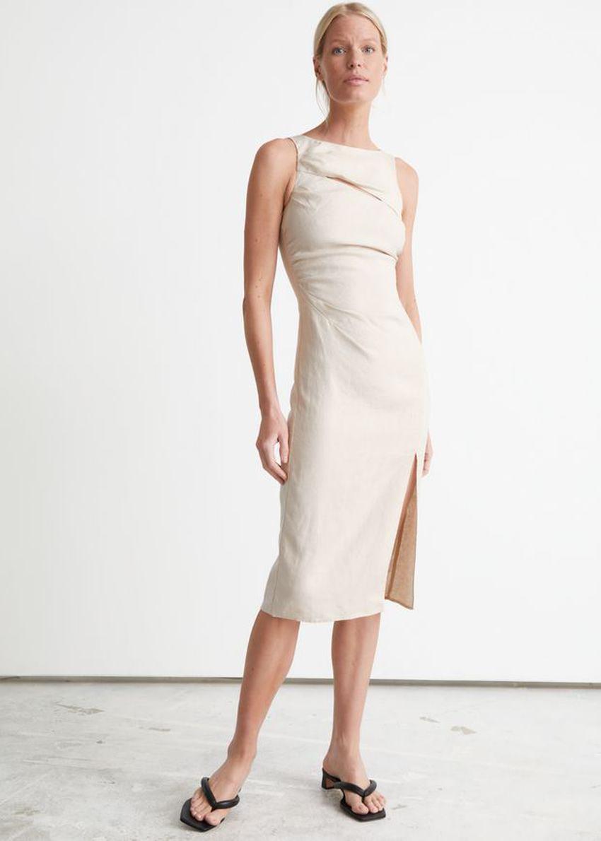앤아더스토리즈 컷 아웃 리넨 미디 드레스의 크림컬러 ECOMLook입니다.