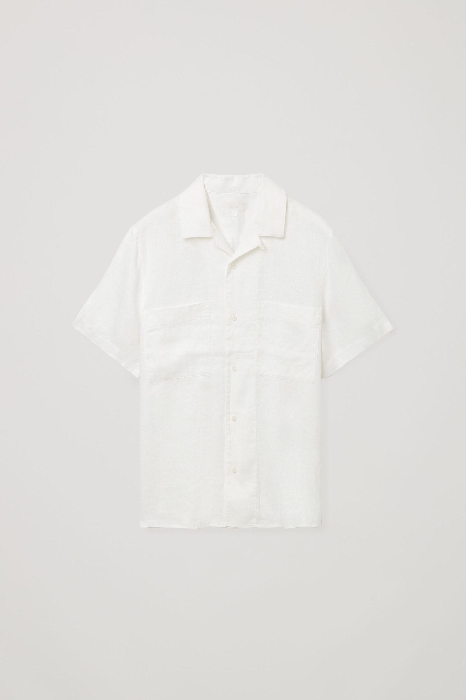 COS 캠프 칼라 쇼트 슬리브 셔츠의 화이트컬러 Product입니다.