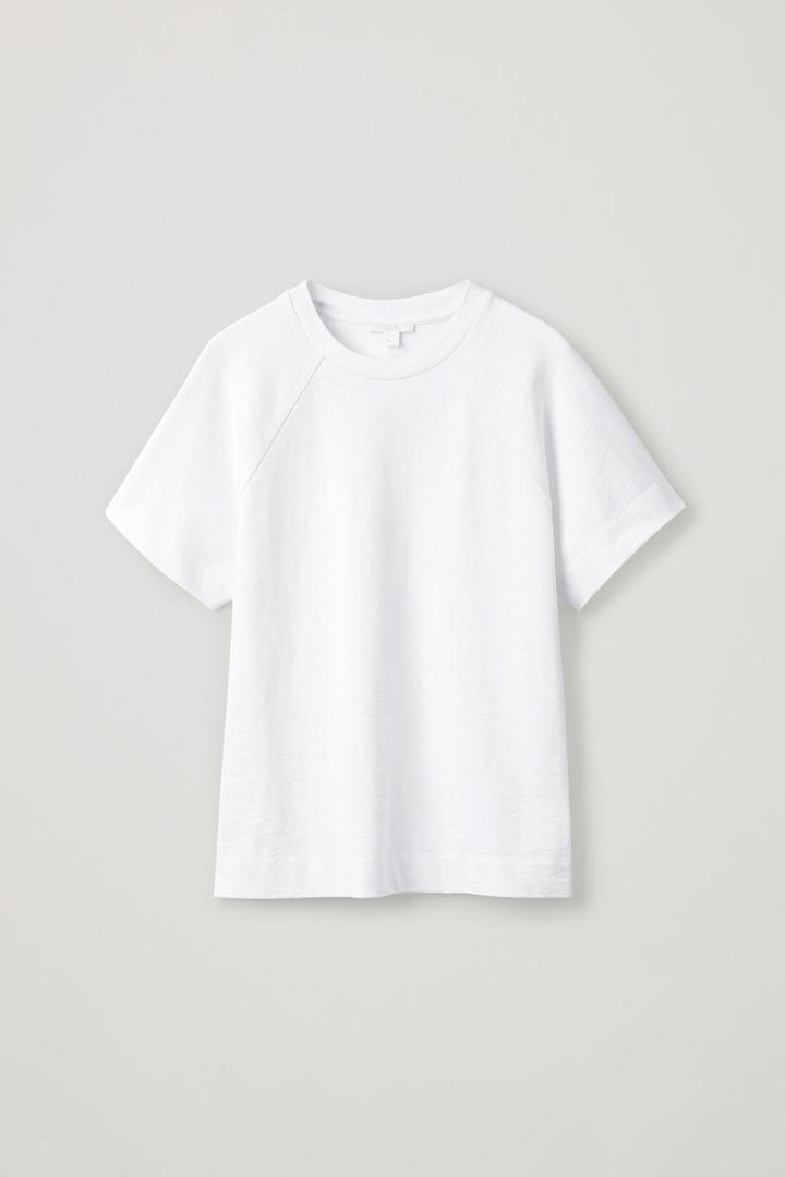 COS hover image 12 of 화이트 in 래글런 슬리브드 저지 티셔츠
