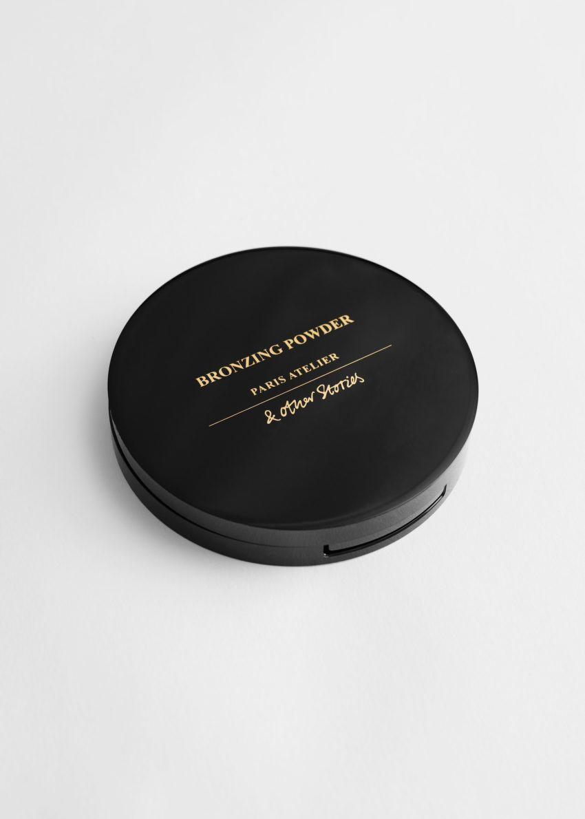 앤아더스토리즈 테라 도르 브론징 파우더의 테라 도르컬러 Product입니다.