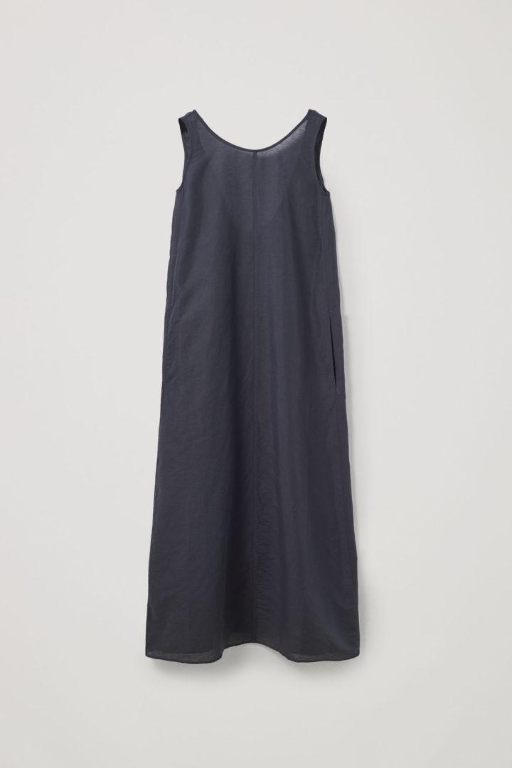 COS 리넨 익스포즈드 백 맥시 드레스의 블랙컬러 Product입니다.