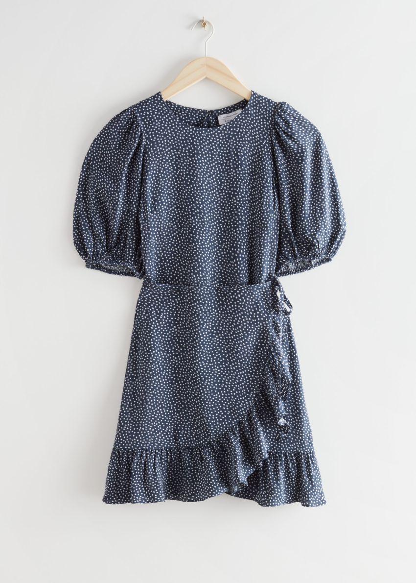앤아더스토리즈 러플 퍼프 슬리브 미니 드레스의 블루 프린트컬러 Product입니다.