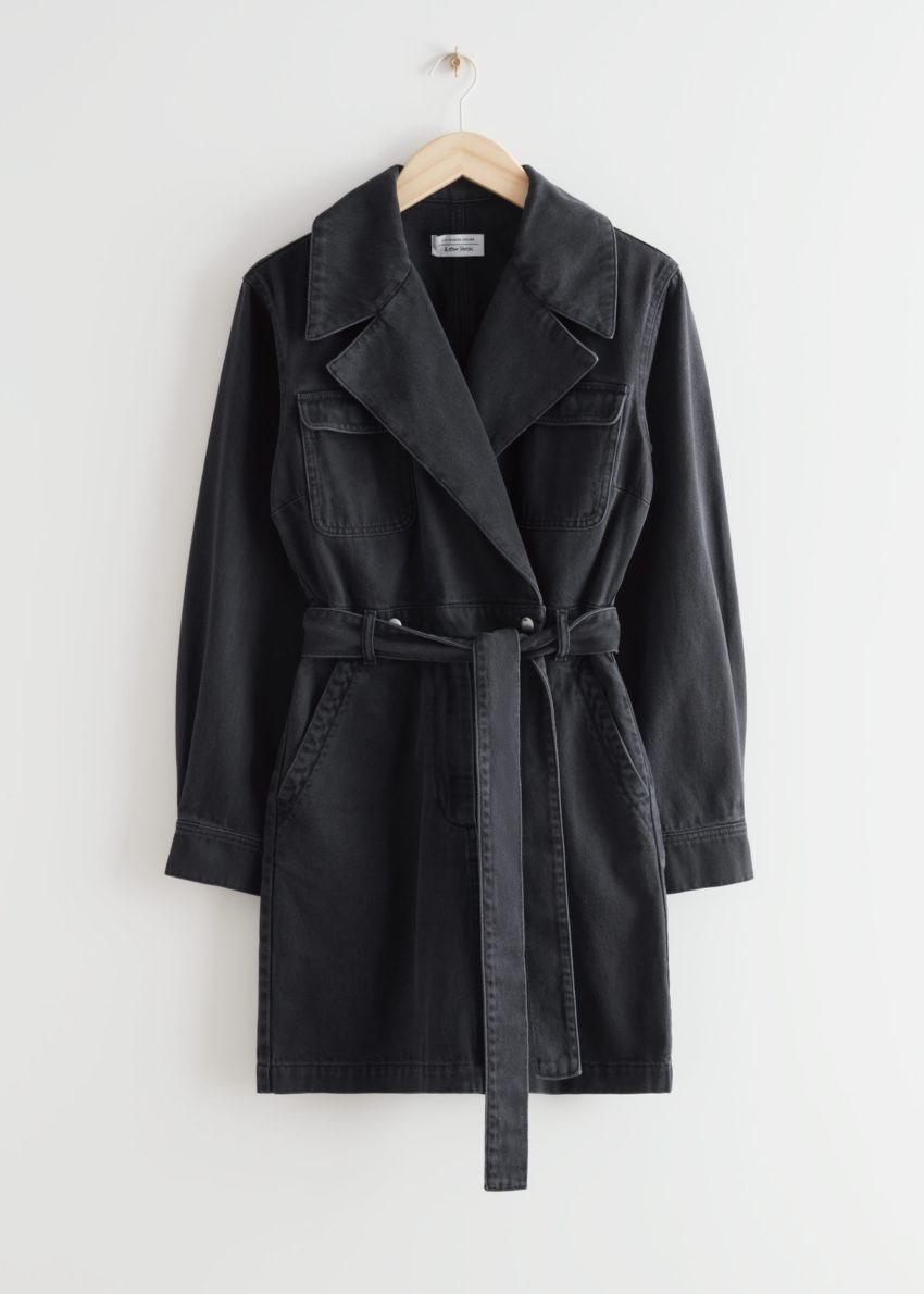 앤아더스토리즈 데님 워크웨어 랩 미니 드레스의 블랙컬러 Product입니다.