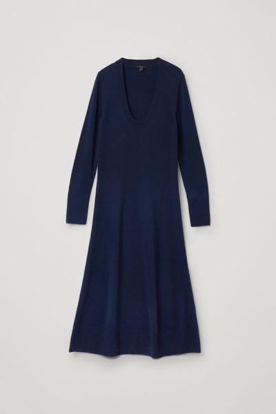 COS default image 8 of 블루 in A라인 롱 슬리브 니티드 드레스