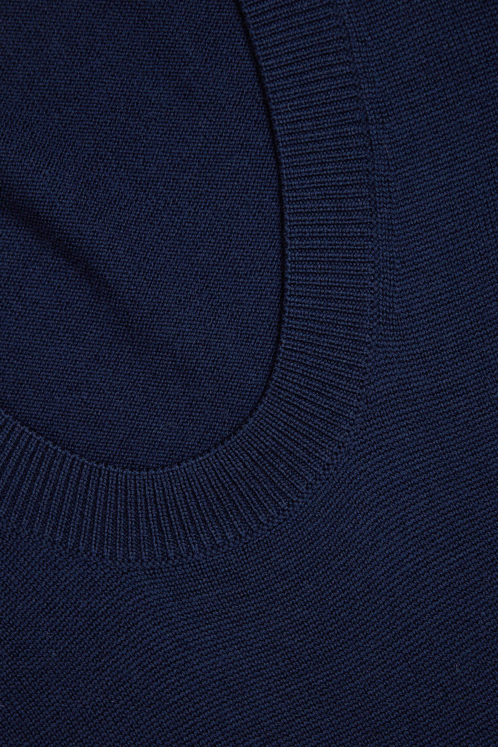 COS A라인 롱 슬리브 니티드 드레스의 블루컬러 Detail입니다.