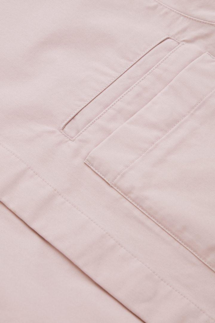 COS 릴랙스드 핏 오가닉 코튼 셔츠의 핑크컬러 Detail입니다.