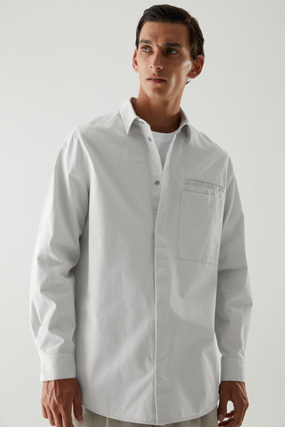 COS hover image 2 of 그레이 in 릴랙스드 핏 오가닉 코튼 셔츠
